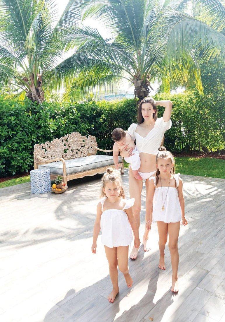 Brittany Peltz Buerstedd with children, Phoenix Blu, Lila Rae and Eva PHOTO COURTESY OF SENA LIFESTYLE STUDIO